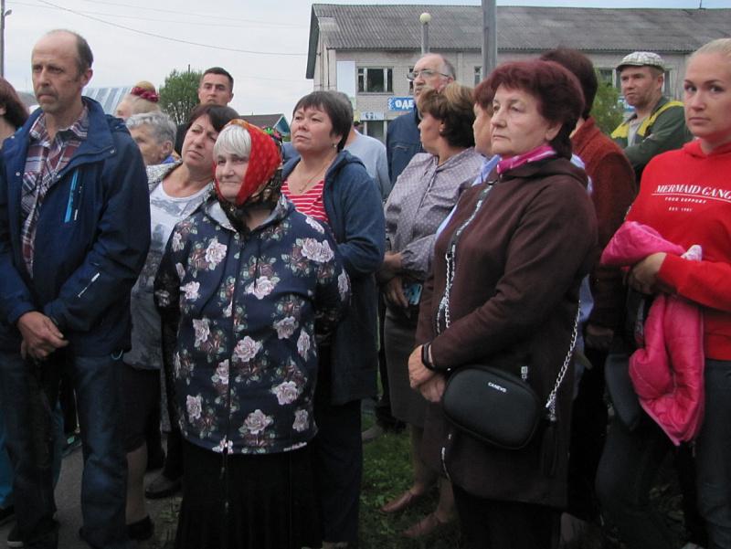 Встреча с жителями Ровдино  врио губернатора Александра Цыбульского